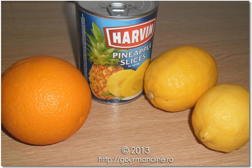 Suc de ananas cu lămâi şi portocale